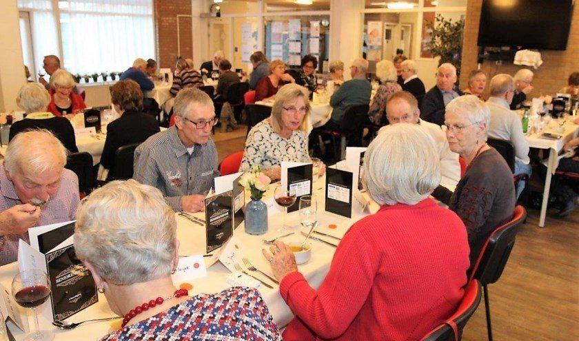 30-03-2019: Seniorendiner Tulpentuin en Rozentuin