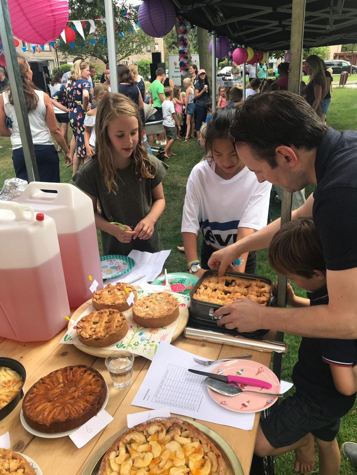 31-08-2019: Buurtbarbecue Tulpentuin & Rozentuin 2019